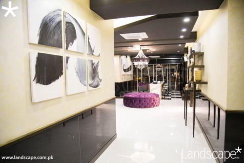 Corridor in Salon