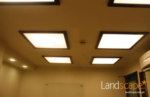 Warm-Lights-in-Conference-Room-Ceiling