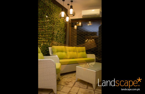 Outdoor-Furniture-Displayed-at-Front-of-Showroom