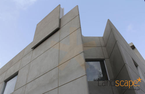 Triangular-Space-of-the-Building