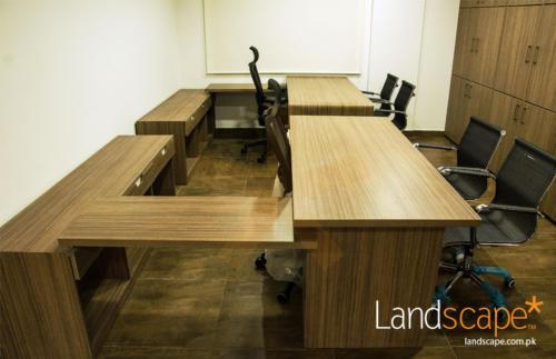 a-contemprary-desk-design