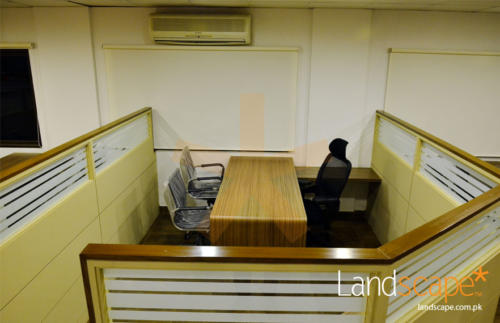 an-innovative--functional-office-cubicle