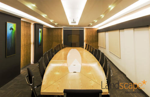 high-end-material-finishes-enhancing-the-conference-space